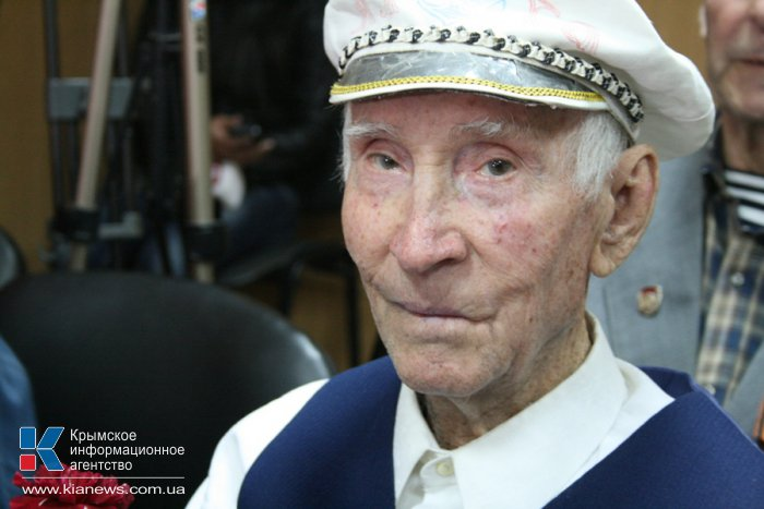 Крымские ветераны получили бесплатную подписку на «Российскую газету»
