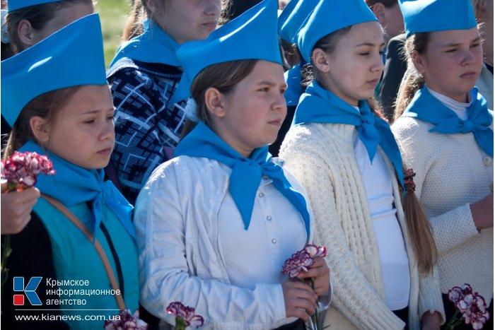В Севастополе открыли памятник героям нашим дней