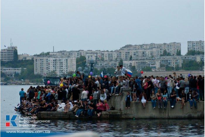 В Севастополе 9 мая отметили парадом морской и авиационной техники