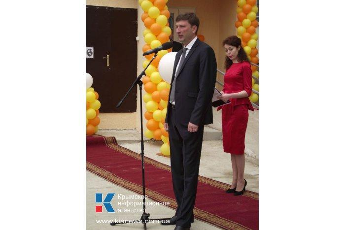 В Симферополе первые семьи получили квартиры по программе обустройства депортированных