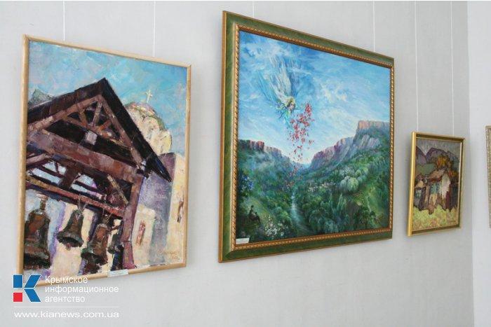В Симферополе открылась выставка крымских художников о депортации