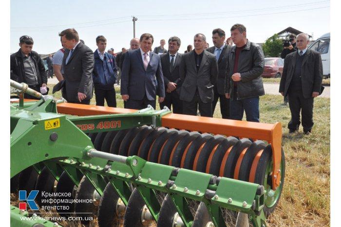 Глава Госсовета РК с рабочим визитом посетил Нижнегорский район