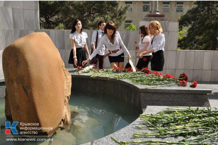 В Симферополе почтили память жертв депортации