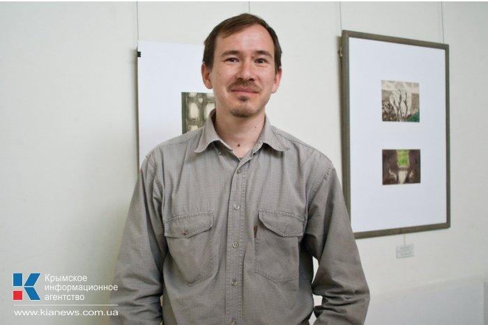 В Севастополе открылась выставка графики Владимира Новикова