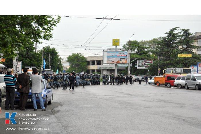 Центр Симферополя закрыли для движения транспорта и пешеходов
