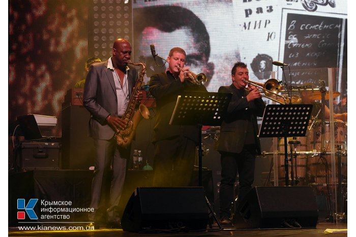 В Ялте выступила группа «D'Black Blues Orchestra»