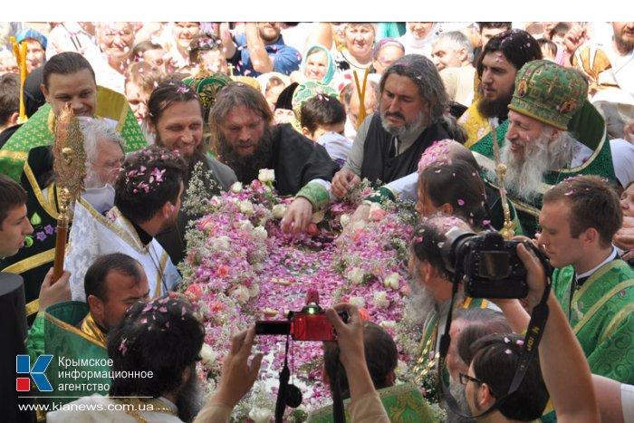 В Симферополе прошло богослужение ко Дню памяти Святителя Луки
