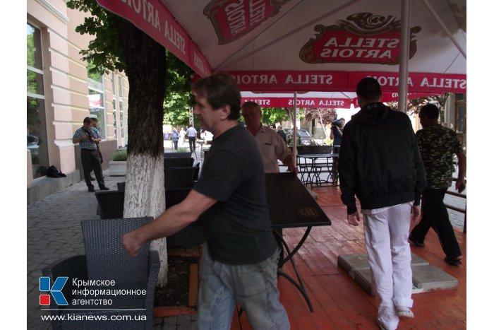 Центр Симферополя освободили еще от двух летних площадок
