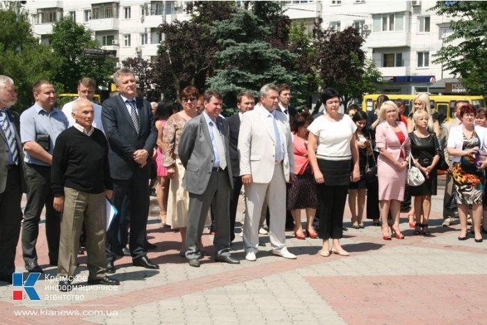 Мордовия передала Крыму детские площадки и компьютерные классы