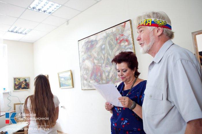 В Севастополе открылась выставка спасенных из Донецка картин