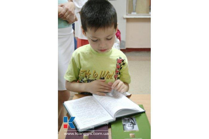 Школы Крыма получат литературу по акции «Сто книг президента»