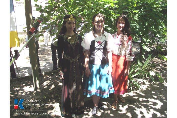 В возвращенной караимам симферопольской кенассе состоялся первый молебен