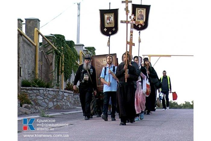 В Севастополе стартовал ежегодный крестный ход «Царский путь»