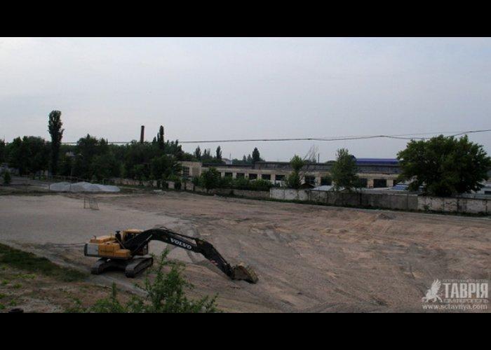 В Симферополе начали строить новое футбольное поле