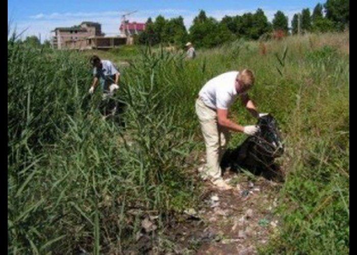 В Севастополе чистили дно возле пляжа «Омега»