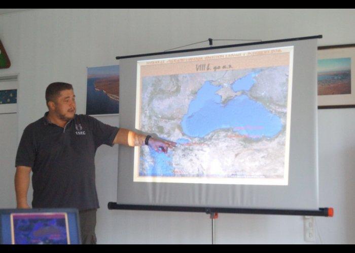 В Крыму юных историков учили самообороне и погружению на глубину