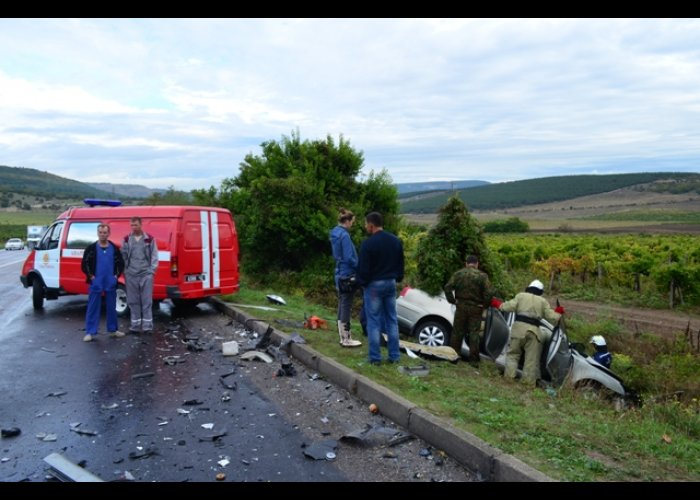 В столкновении автомобилей возле Севастополя погиб человек