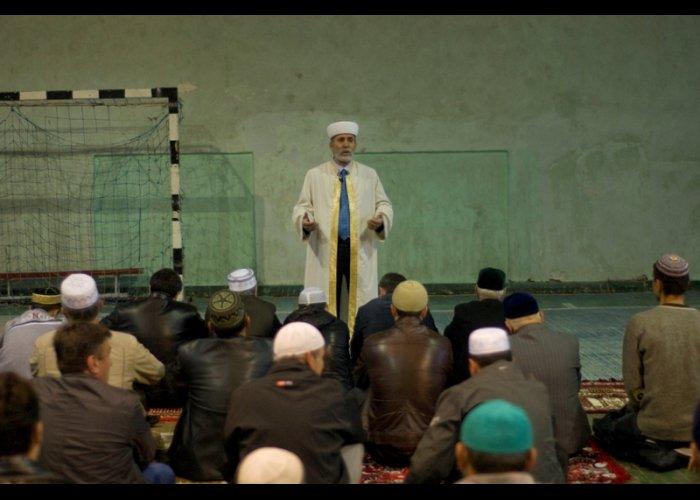 Во всех мечетях Крыма прошли праздничные намазы
