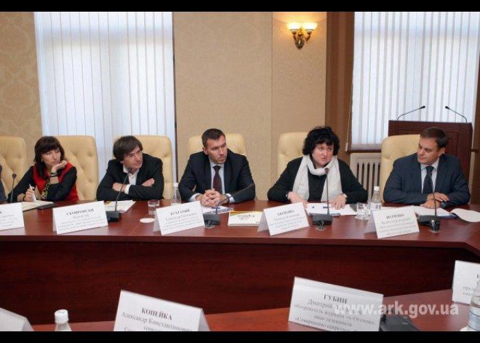 Глава Совмина встретился с участниками конкурса «Серебряное перо»