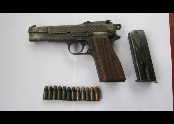 В Алуште женщина принесла в милицию ружье и пистолет
