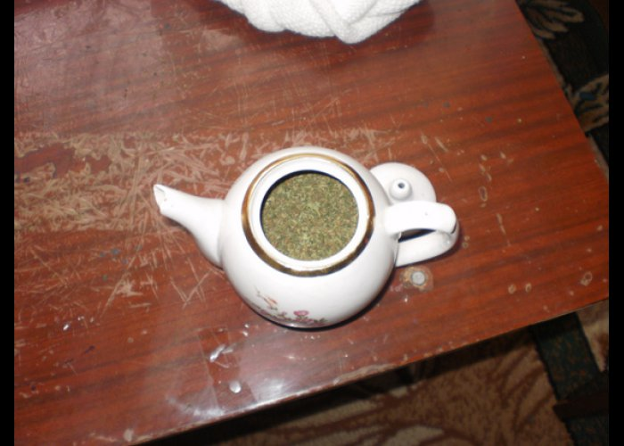 Крымчанин спрятал от милиции наркотики в чайнике