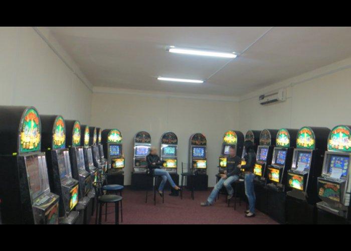 В Крыму накрыли подпольное казино с сотней игровых автоматов