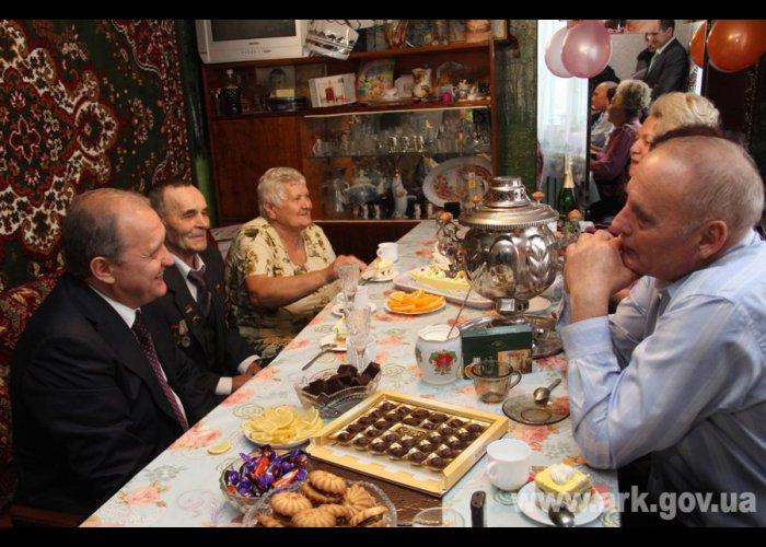 Премьер Крыма поздравил алуштинскую семью с «золотой свадьбой»