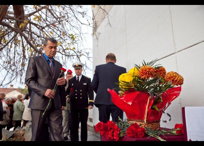 В Севастополе почтили память жертв голодомора и политических репрессий