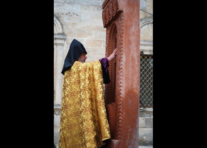 В армянской церкви в Евпатории открыли хачкар