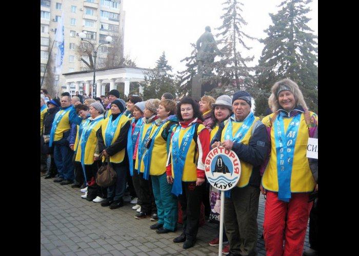 В Крыму открыли сезон зимнего плавания