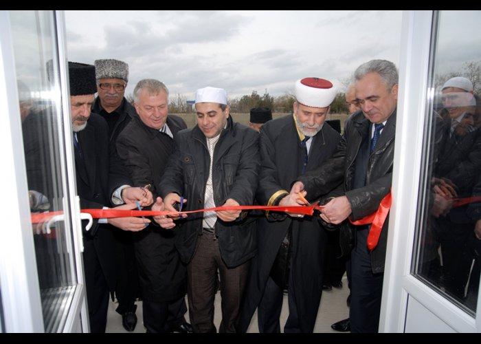 В Сакском районе рядом с церковью построили мечеть