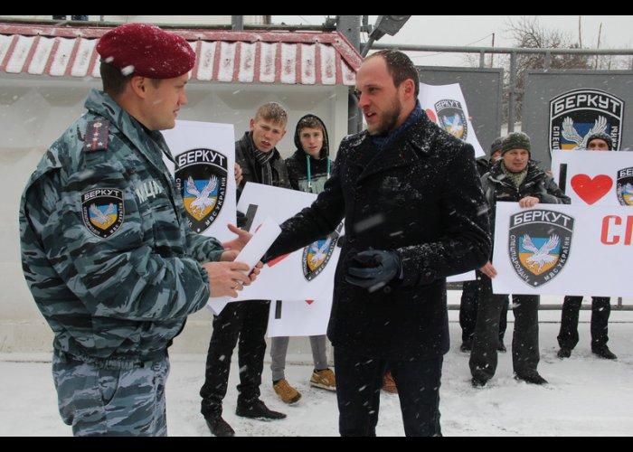 Симферопольцы встали на защиту «Беркута»