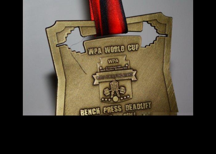 Крымчанин победил на соревнованиях мирового кубка по пауэрлифтингу