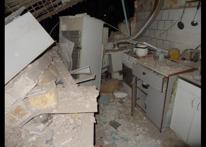 В Черноморском взрывом газа разрушена стена дома