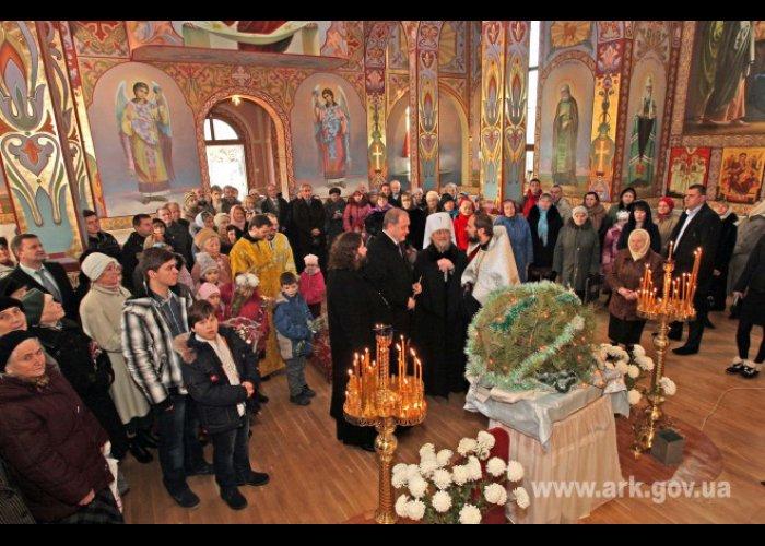 Крымский премьер посетил храм Священномученика Вениамина в Симферополе