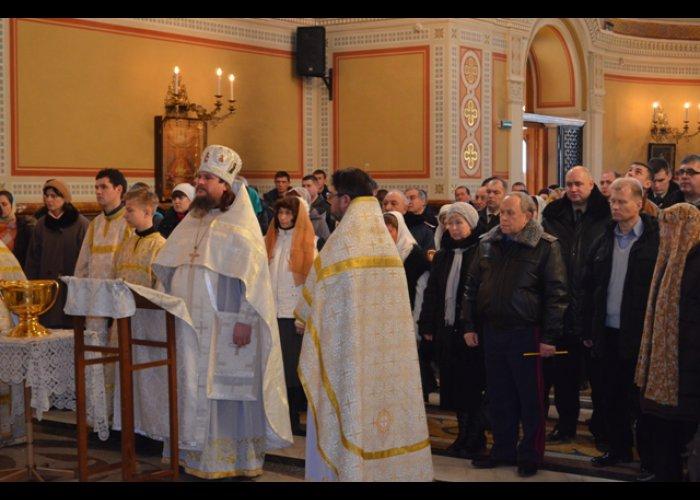 В Севастополе прошел молебен за здравие спасателей