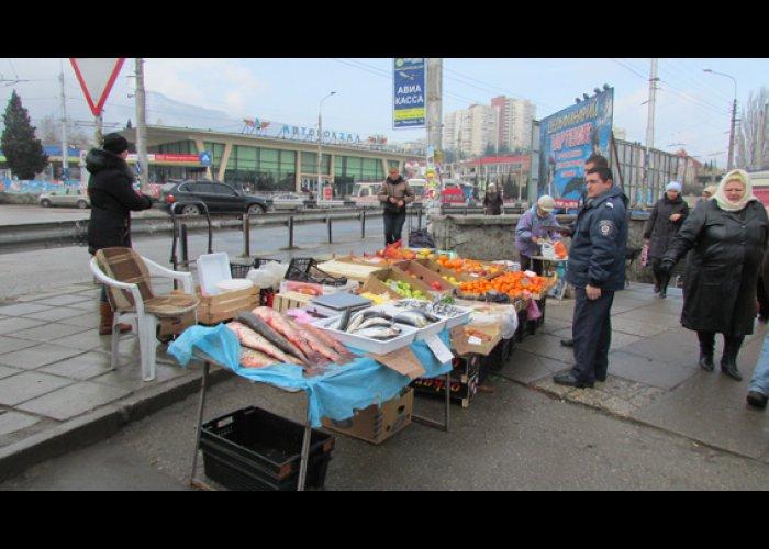 В Алуште прошел рейд по борьбе со стихийной торговлей