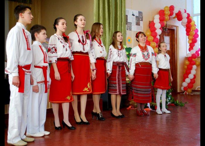 В школах Евпатории проходит акция «Венок Кобзарю»
