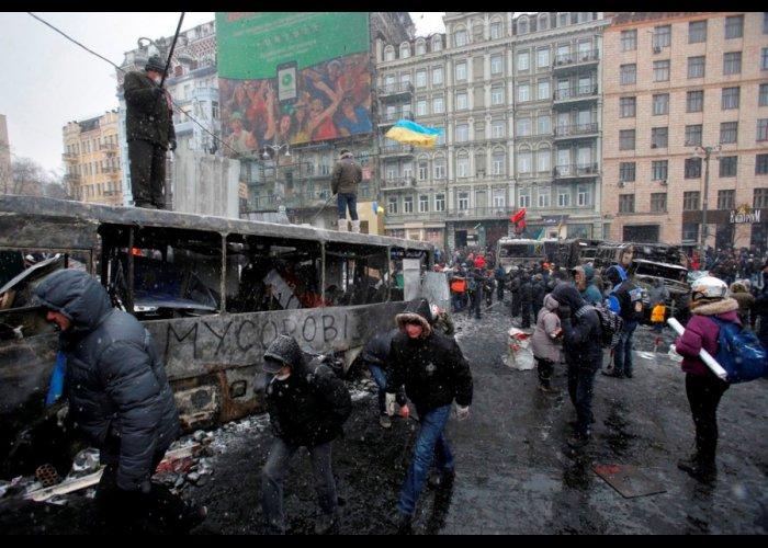 Противостояние в Киеве в фотографиях