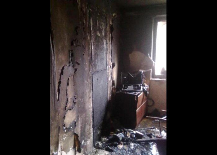 На пожаре в Севастополе спасли двух человек
