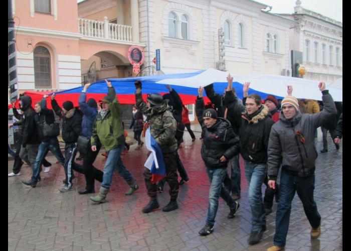 Возле горсовета Симферополя подняли российский флаг