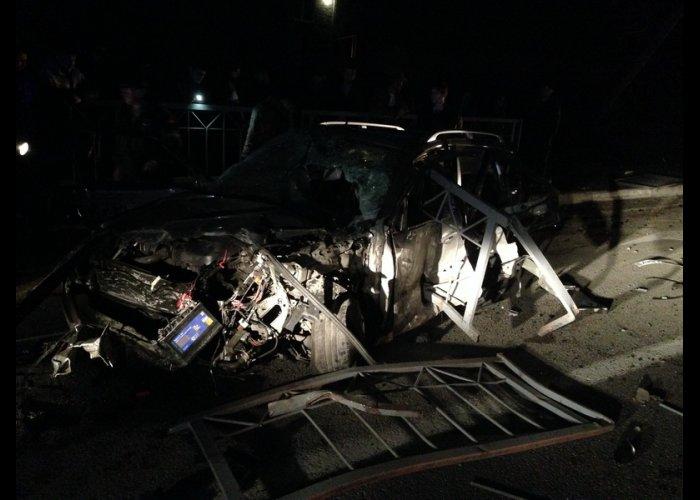 Ночью в Симферополе в ДТП погибло три человека