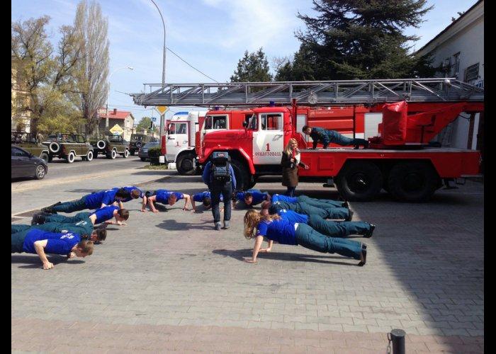 Спасатели Севастополя приняли участие во всероссийском флешмобе