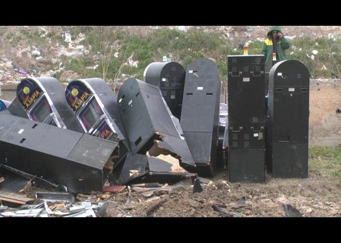 В Симферополе правоохранители уничтожили игровые автоматы