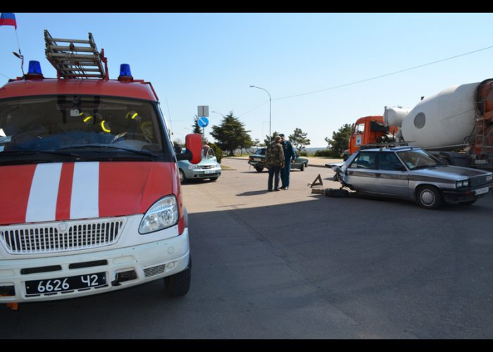В Севастополе столкнулись два автомобиля
