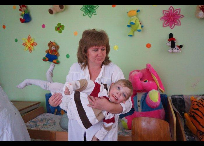 В Крыму продолжается диспансеризация детей-сирот