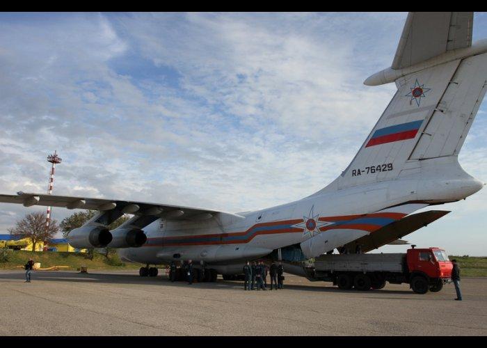 В Крым прибыл Ил-76 с гуманитарным грузом