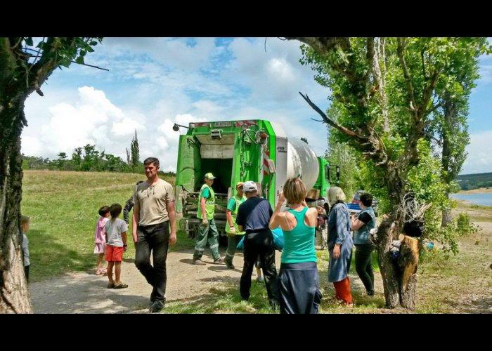 На Симферопольском водохранилище собрали в ходе субботника 110 мешков мусора