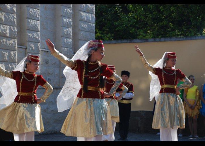 В Евпатории отметили День России