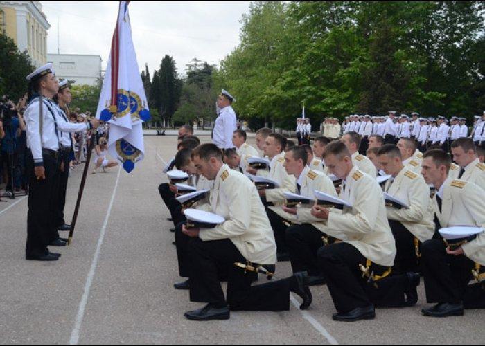 В Севастополе состоялся первый выпуск офицеров Нахимовского училища